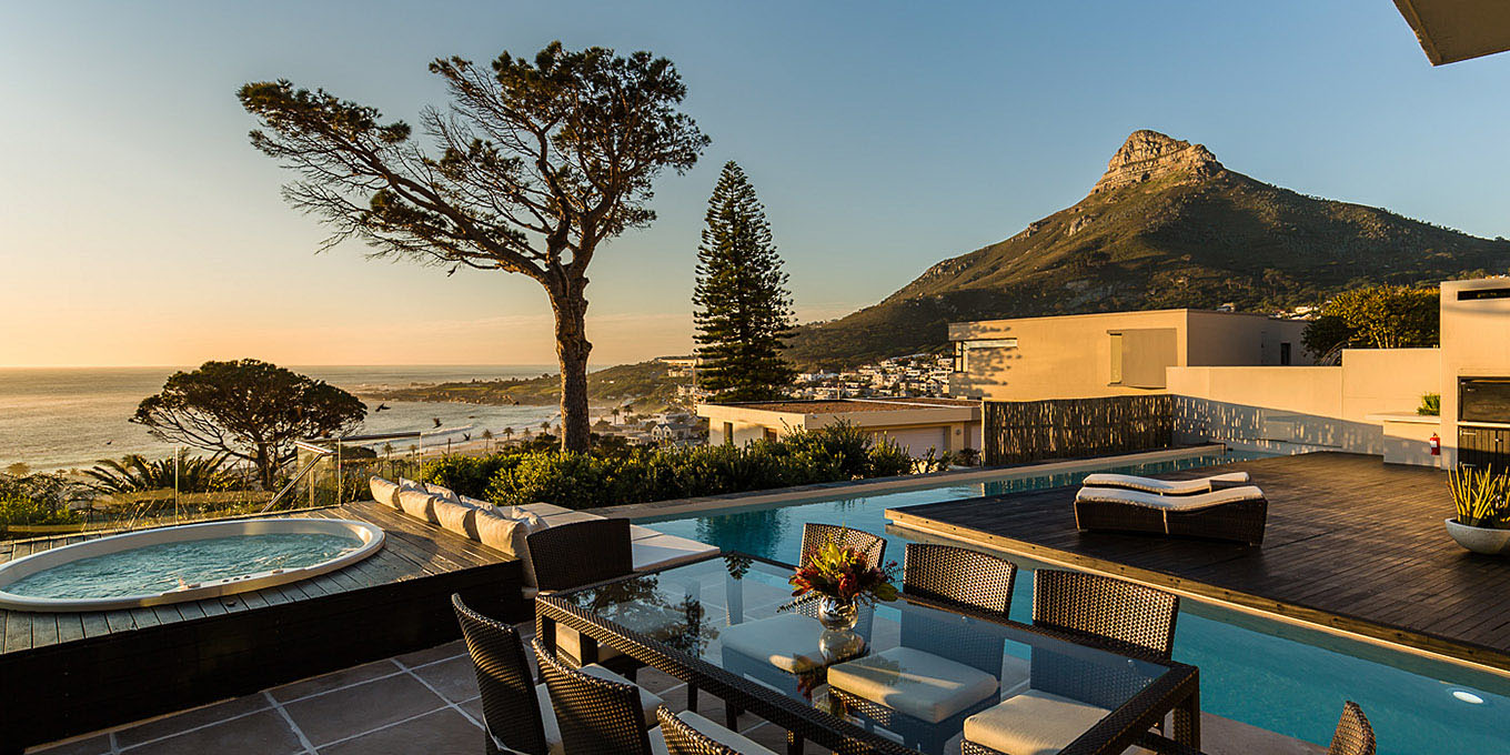 villa in Camps Bay, with private pool