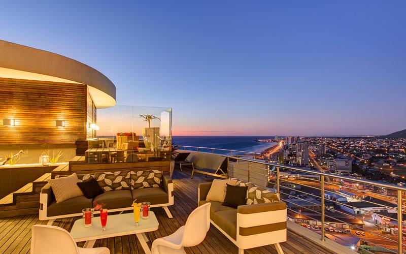 Table View holiday villa
