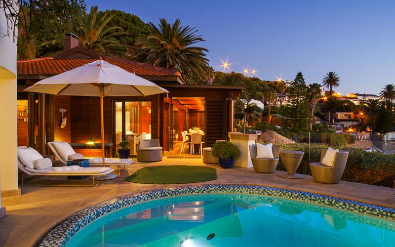 Luxurious villa in Clifton