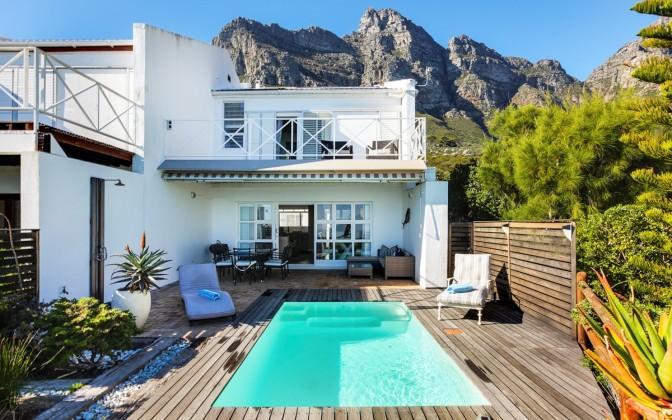 4 star Camps Bay vacation  villa