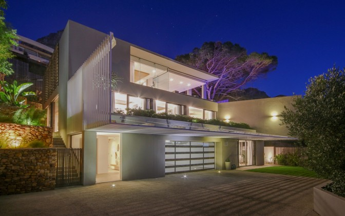 Camps Bay luxury  villa, with private pool