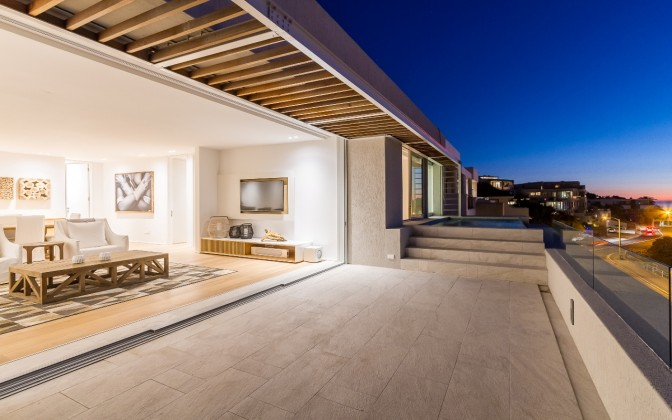 Luxury  villa in Camps Bay, with pool