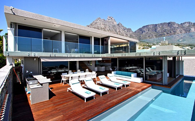 Luxury  villa Camps Bay, family friendly