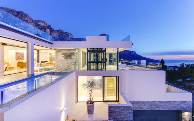 Camps Bay luxury holiday accommodation