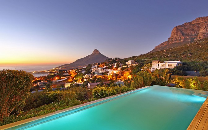 4 star Camps Bay vacation  villa