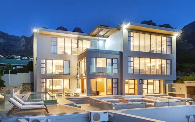 6 star luxury  villa Camps Bay, with private pool