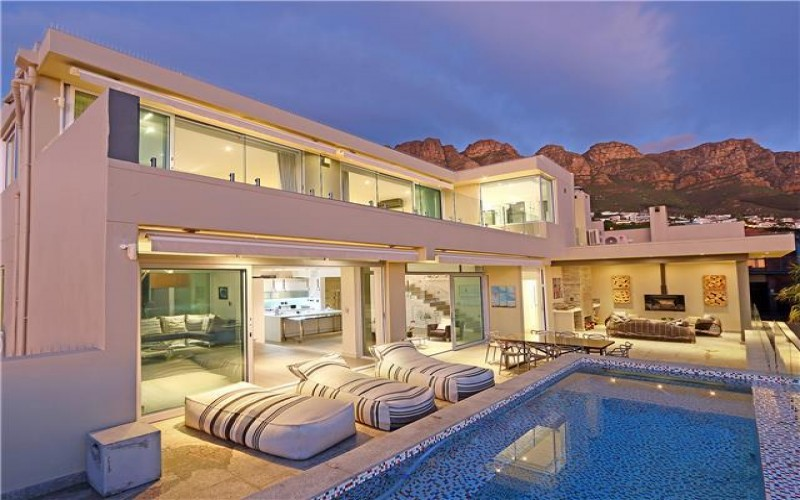 6 bed luxury  villa Camps Bay, family friendly