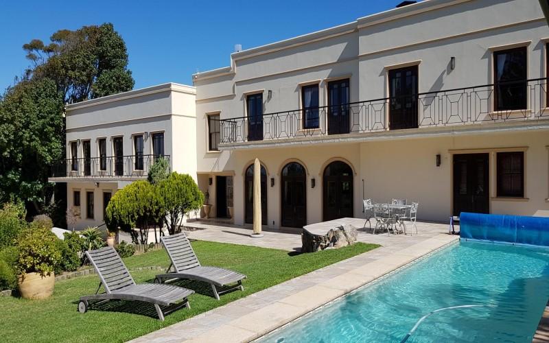 Constantia luxury holiday villa