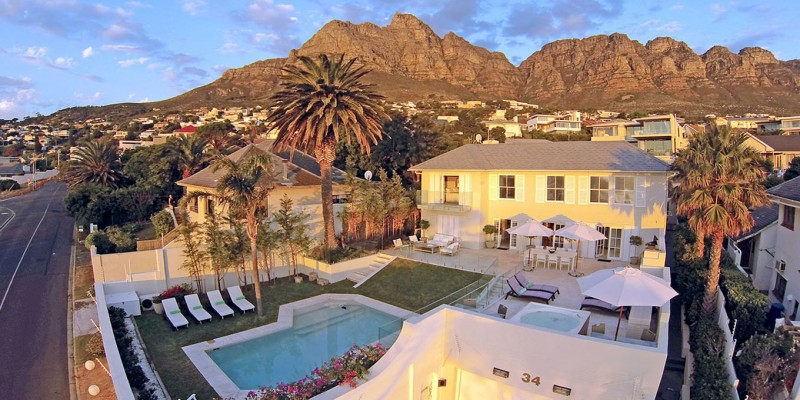 Luxury holiday villa Camps Bay, family friendly, sleeps 10