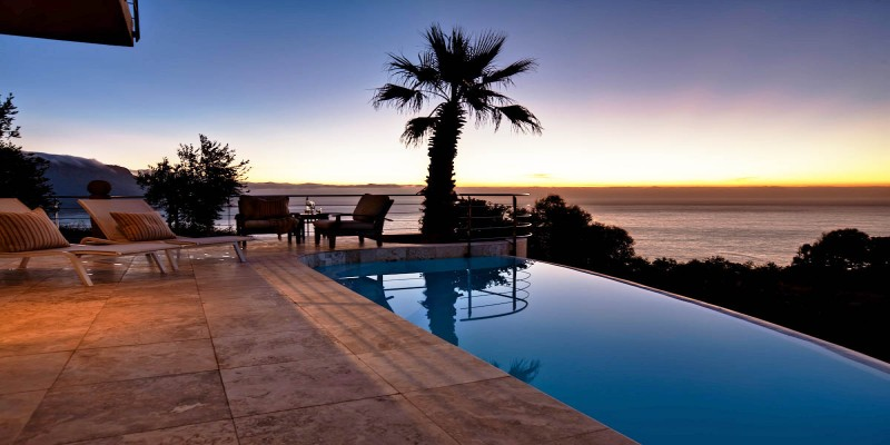Bantry Bay luxury holiday  villa, spectacular pool
