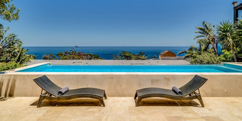 Self catering holiday home Camps Bay, with private pool