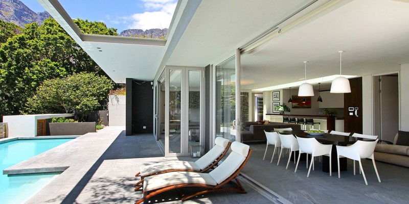 Camps Bay luxury holiday villa, with private pool, near beach